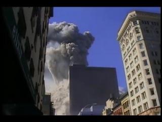 Правда про 11 сентября 2001. Взрыв и  падение Северной башни. Обратите внимания на крышу башни.