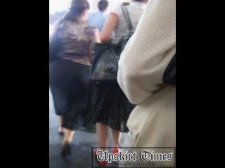Сфотографировал женские труселя в метро